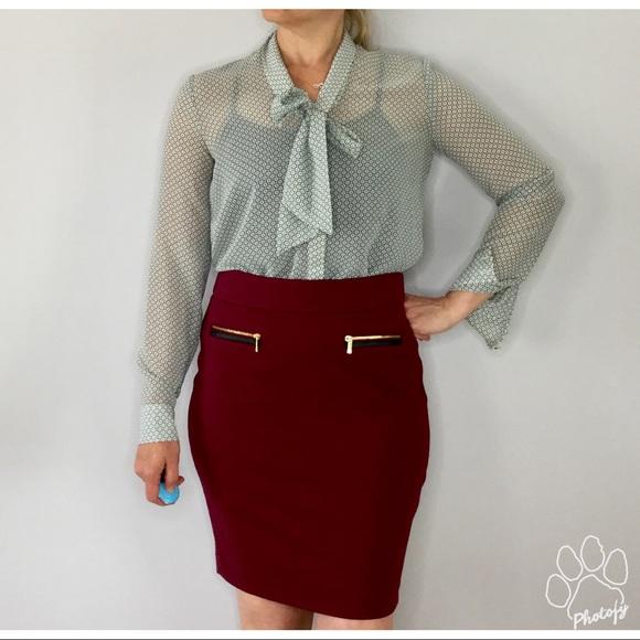 Calvin Klein Dresses & Skirts - Calvin Klein cranberry knit pencil skirt